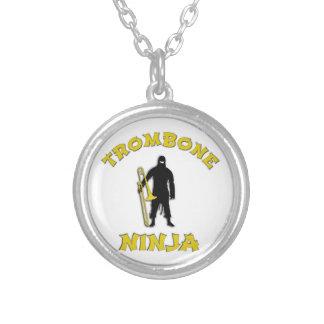 Collar Plateado Trombone Ninja