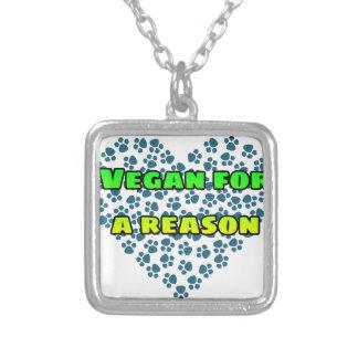 Collar Plateado Vegano por una razón