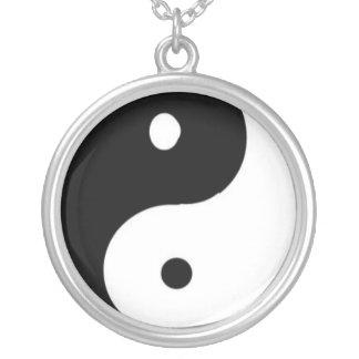 Collar Plateado Yin/Yang