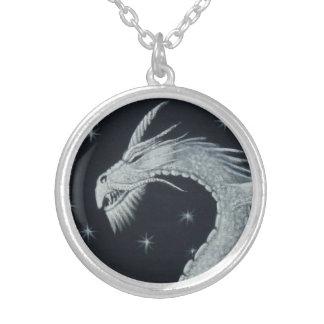 Collar Plateado Collar principal del dragón