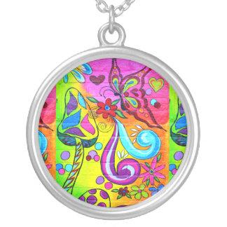collar psicodélico de los colores del hippie
