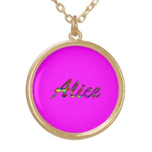 Collar rosado de Alicia
