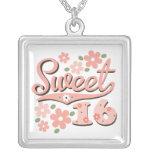 Collar rosado del dulce 16