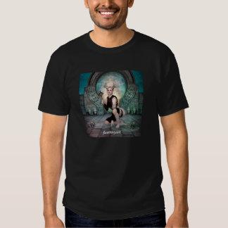 Colocación de la mujer joven del demonio camisetas