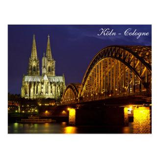Colonia - catedral en la postal crepuscular