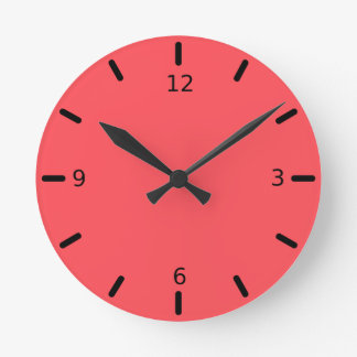Color coralino adornado esculpido reloj redondo mediano