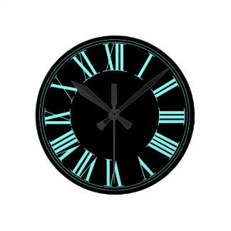 Color de fondo romano de neón de PixDezines Reloj Redondo Mediano