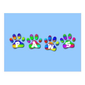 Color Pawprints del arco iris de las patas Postal