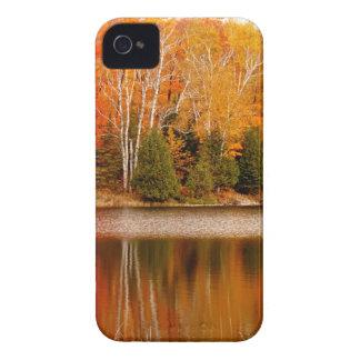 Colores gemelos de la caída de los lagos, isla de carcasa para iPhone 4 de Case-Mate