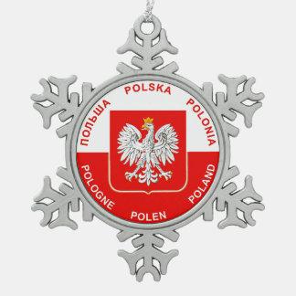 Colores polacos de la bandera con el ornamento del adorno de peltre en forma de copo de nieve