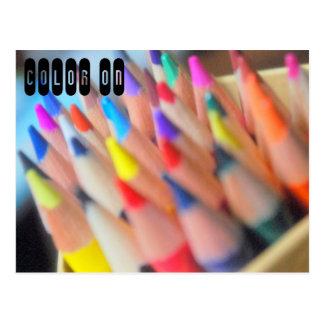 Colores y lápices postal