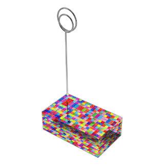 Colorido coloreado en cuadrados del papel soportes para tarjetas de mesa