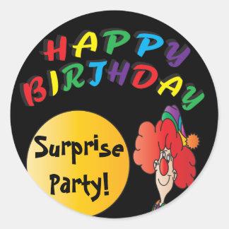 Colorido es una fiesta de cumpleaños de la pegatina redonda