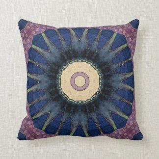 Colorido, retro, Mandala-Inspirado Cojín Decorativo