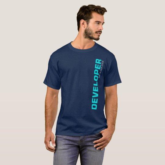 Coma el programador del desarrollador de la camiseta