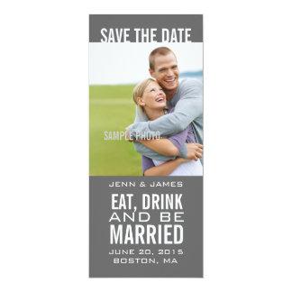 Coma la bebida sea reserva moderna casada de la invitación 10,1 x 23,5 cm