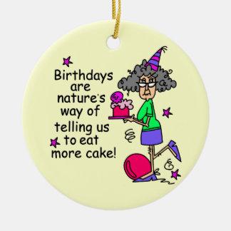 Coma más humor del cumpleaños de la torta adorno redondo de cerámica