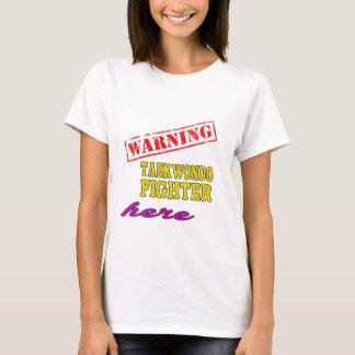 Combatiente de cuidado del Taekwondo Camiseta