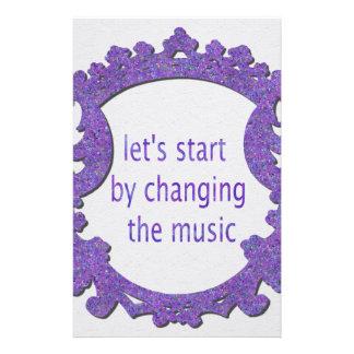 comencemos cambiando la música papelería