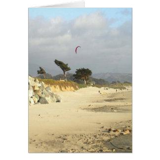 Cometa y nubes rojas, tarjeta de Half Moon Bay