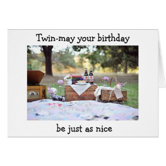 Comida campestre gemela de la hermana para su tarjeta de felicitación