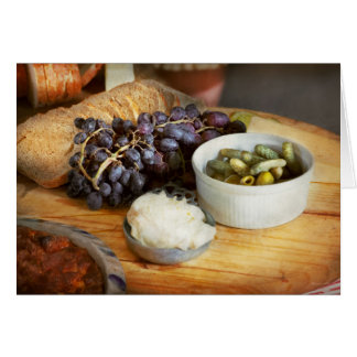 Comida - fruta - pepinillos y uvas tarjeta