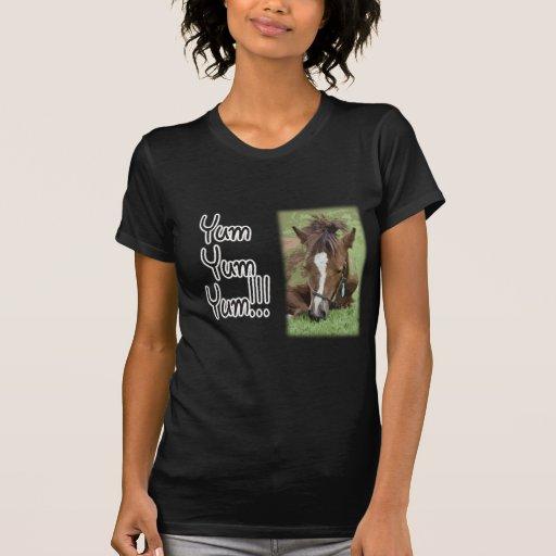 Comiendo el potro - Yum Yum Yum Camisetas