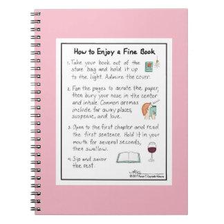Cómo gozar de un cuaderno fino del rosa del libro