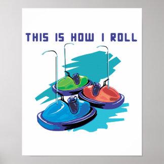 Cómo ruedo (los coches de parachoques) póster