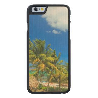Complejo playero tropical, Belice Funda De iPhone 6 Carved® De Arce