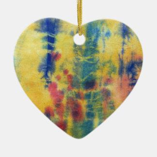 Composición #5 del teñido anudado de Michael Moffa Adorno Navideño De Cerámica En Forma De Corazón