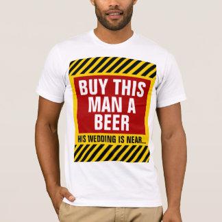 Compre a este hombre una despedida de soltero de camiseta