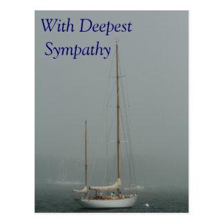 Con la condolencia más profunda velero en la nieb tarjetas postales