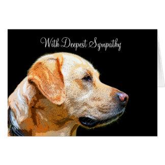 Con la tarjeta del perro casero de la condolencia