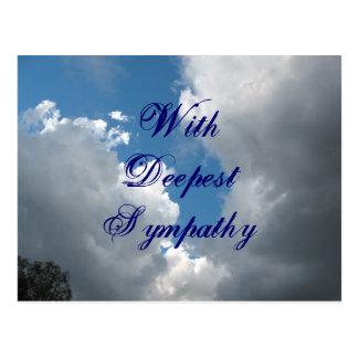 Con las nubes más profundas de la condolencia postal