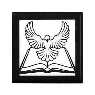 Concepto cristiano de la paloma de la biblia caja de recuerdo
