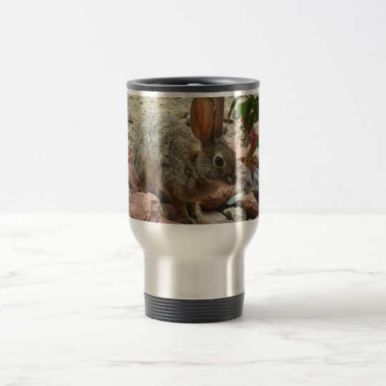 Conejito en la taza del viaje de la roca de Sedona