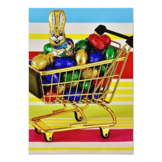 Conejito feliz del caramelo del carro de la compra invitación 12,7 x 17,8 cm