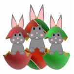 Conejito gris en ornamentos del navidad escultura fotografica