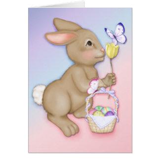 Conejito y mariposa de pascua tarjeta de felicitación