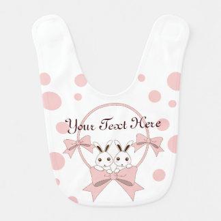 Conejitos lindos personalizados con los chicas baberos de bebé