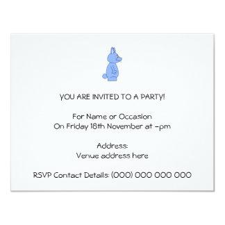 Conejo azul invitación 10,8 x 13,9 cm