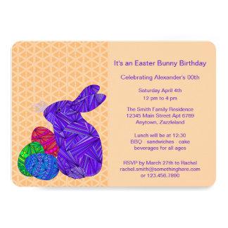 Conejo colorido púrpura de los huevos de Pascua Invitación 12,7 X 17,8 Cm