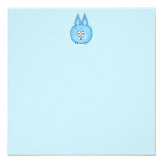 Conejo de conejito azul lindo invitación 13,3 cm x 13,3cm