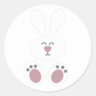 Conejo de conejito blanco lindo etiquetas redondas