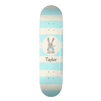 Conejo de conejito del arbolado del invierno; Azul Tabla De Skate