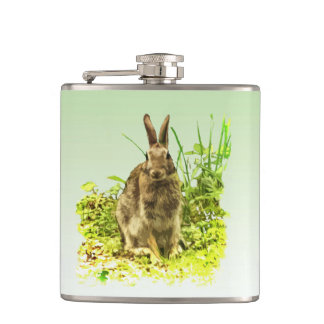 Conejo de conejito lindo de Brown en frasco de la Petaca