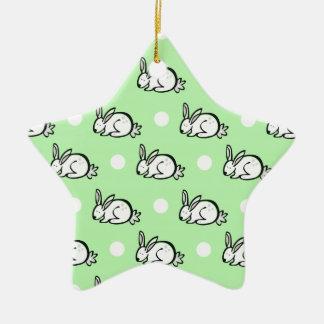 Conejo de conejito lindo; Lunares verdes y blancos Ornamento Para Arbol De Navidad