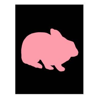 Conejo de conejito rosado en negro postal