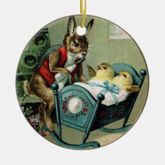 Conejo de la papá de Pascua y ornamento antiguos